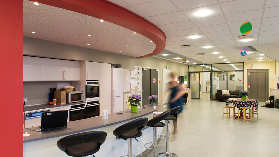 Helsinge Realskole school education Rockfon Color-all Sonar E-edge A-edge 600x600 1200x600 VertiQ 2700x1200