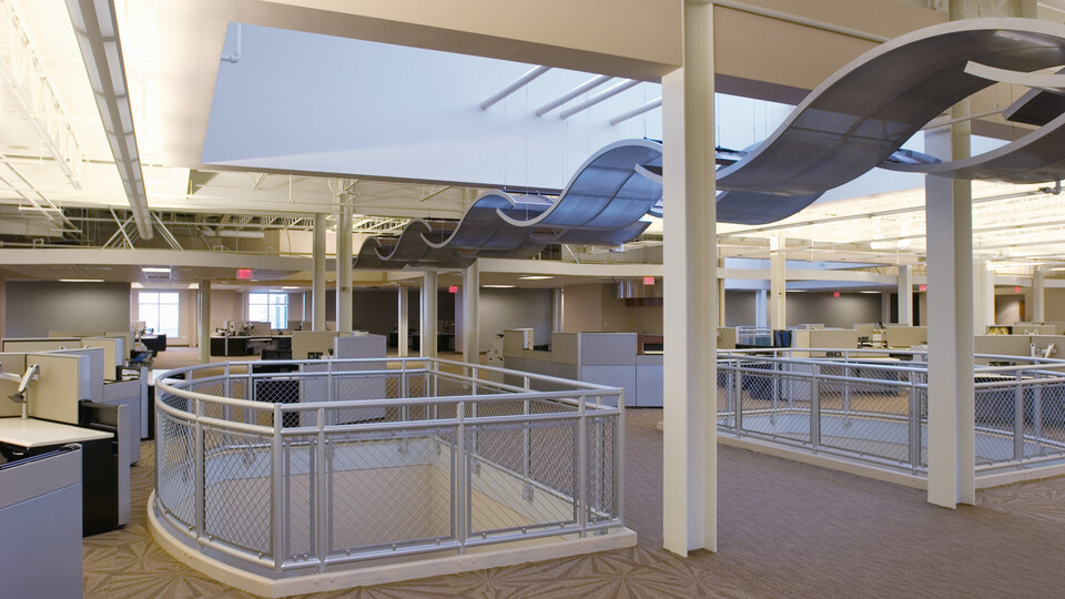 Heartland Payment Systems Service Center, Architectural Investments, Ted McCain Company, Infinity D Perimeter Trim, CurvGrid, BeamGrid, Office building
