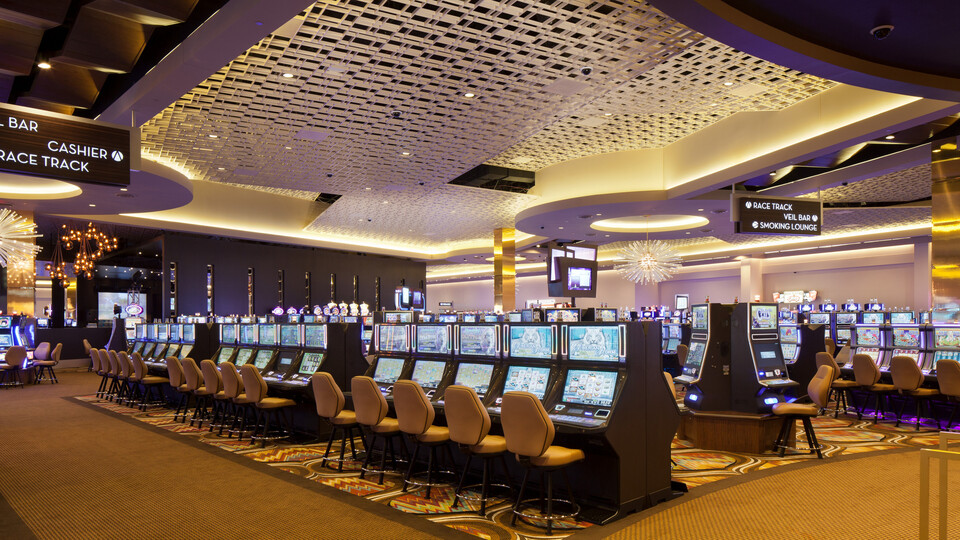 Scioto Downs Casino and Racetrack, MTR Gaming Group, Inc., SOSH Architects, Tandem, Construction Manager: Gilbane Building Company, Installing Conractor: Valley Interior Systems, United Building Materials, Magna T-Cell, Recreation, Feinknopf Photography