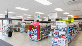 Maplin electronic retail stores, UK, Redditch, 500m², Squires and Brown - Contact: Paul Riley, GK Shopfitters - Contact: Michael Kinsey and Ian Grant, Pro Vision Photography, Artic, RockLink Grid, A-edge, 600 x 600, 1200 x 600, White, Rocklink 24mm,