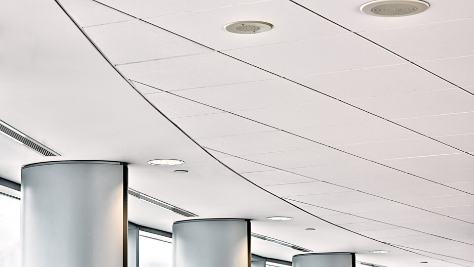 The reception at the Municipality of Lund, Sweden, featuring a Rockfon® Sonar® acoustic ceiling solution.