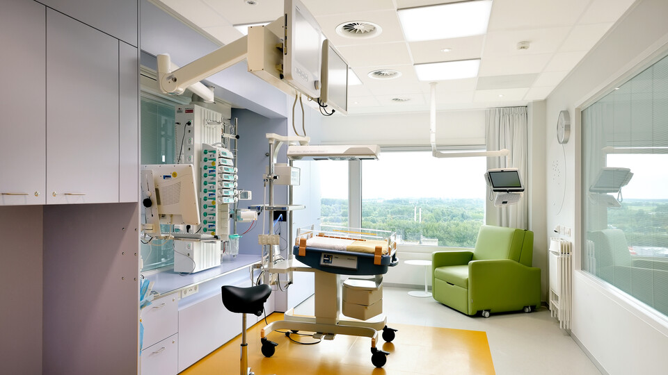 Hospital ceiling design improves nurse's efficiency