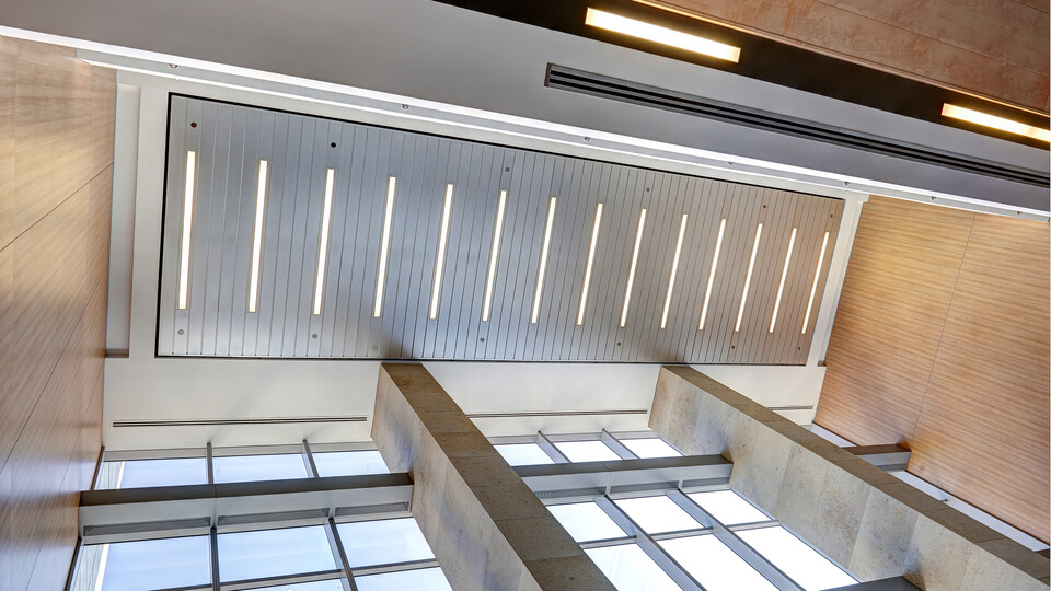 "90 Elgin, Ottawa, Canada, 34.123 m2, Rockfon Specialty Metal Ceilings, Chicago Metallic, Dialog, David S. McRobie Architects (DSMA), Ron Engineering and Construction/State of the Art Acoustik Inc., The Great-West Life Assurance Company (Building), Government of Canada (Land), Advance Drywall Ltd./Morin Bros. Builiding Supplies, LEED, Bochsler Creative Solutions, Planar MacroPlus, Round, 8"", Satin Silver"