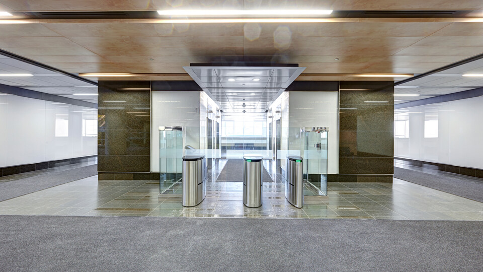 """90 Elgin, Ottawa, Canada, 34.123 m2, Rockfon Specialty Metal Ceilings, Chicago Metallic, Dialog, David S. McRobie Architects (DSMA), Ron Engineering and Construction/State of the Art Acoustik Inc., The Great-West Life Assurance Company (Building), Government of Canada (Land), Advance Drywall Ltd./Morin Bros. Builiding Supplies, LEED, Bochsler Creative Solutions, Razor Edge Infinity, Planostile Lay-in, SpanAir Hook-On, Reveal, 24"""" x 48"""", Satin Silver, WoodScenes Lazy Maple, 4600 Ultraline"""