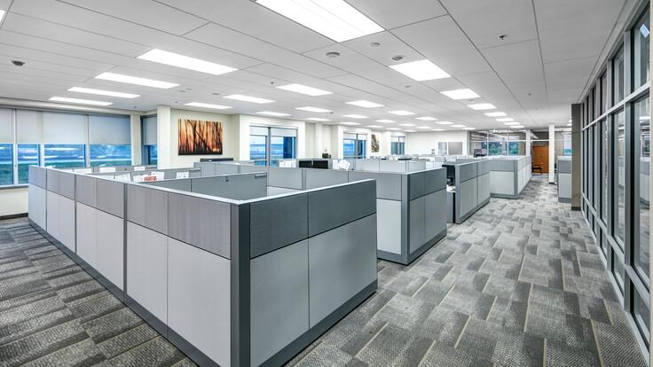 ROXUL ROCKFON Head Office,Milton,ON,Canada,2230m²,SRM Architects,Lorilie Ratz,Roxul Inc.,Canaan Construction Inc.,Patene,LEED,Bochsler Creative,ROCKFON Sonar,SLN-edge,2x8,white,Chicago Metallic 4000 Tempra