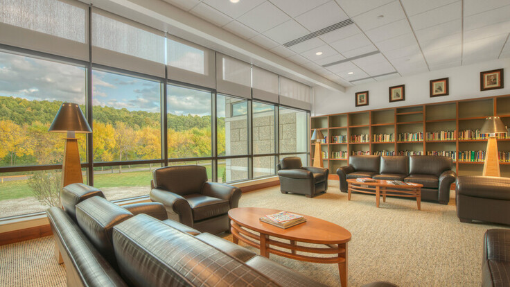 Quinnipiac University, School of Law Center, North Haven Campus, 929 m²,Centerbrook Architects and Planners,LLP,N.T. Oliva,Nathaniel Riley Photography,ROCKFON Tropic,SL-edge,2x2,white