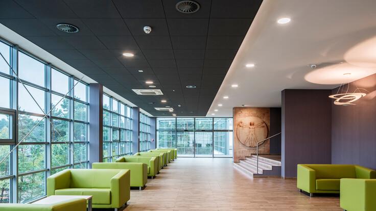 Innowacyjne Forum Medyczne przy Centrum Onkologii im. prof. Franciszka Łukaszczyka w Bydgoszczy / Innovative Medical Forum at the Oncology Center in Bydgoszcz,Poland,Bydgoszcz,3000m²,Studio Architektoniczne S.C. Jacek Waraczewski Ewa Waraczewska,DEKOR Maciej Oryl,ROCKFON Color-all®,X-edge,600x600,charcoal09