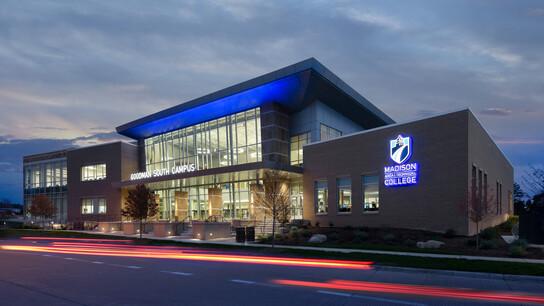 NA, Madison Area Technical College, Goodman South Campus, Rockfon® Planar® Linear Metal Ceilings, Infinity™ Perimeter Trim in Metalwood® Oak woodgrain finish, Corridor